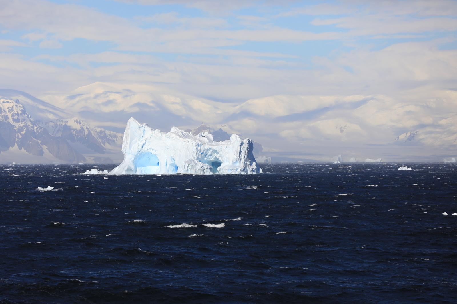 1702_Antarctique_02201_c_sm.jpg