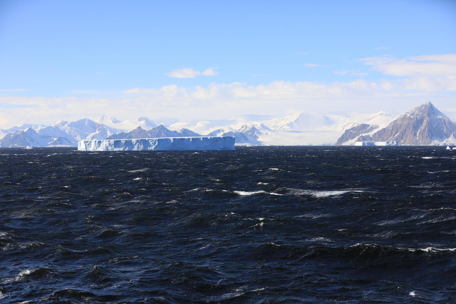 1702_Antarctique_02209_c_sm.jpg