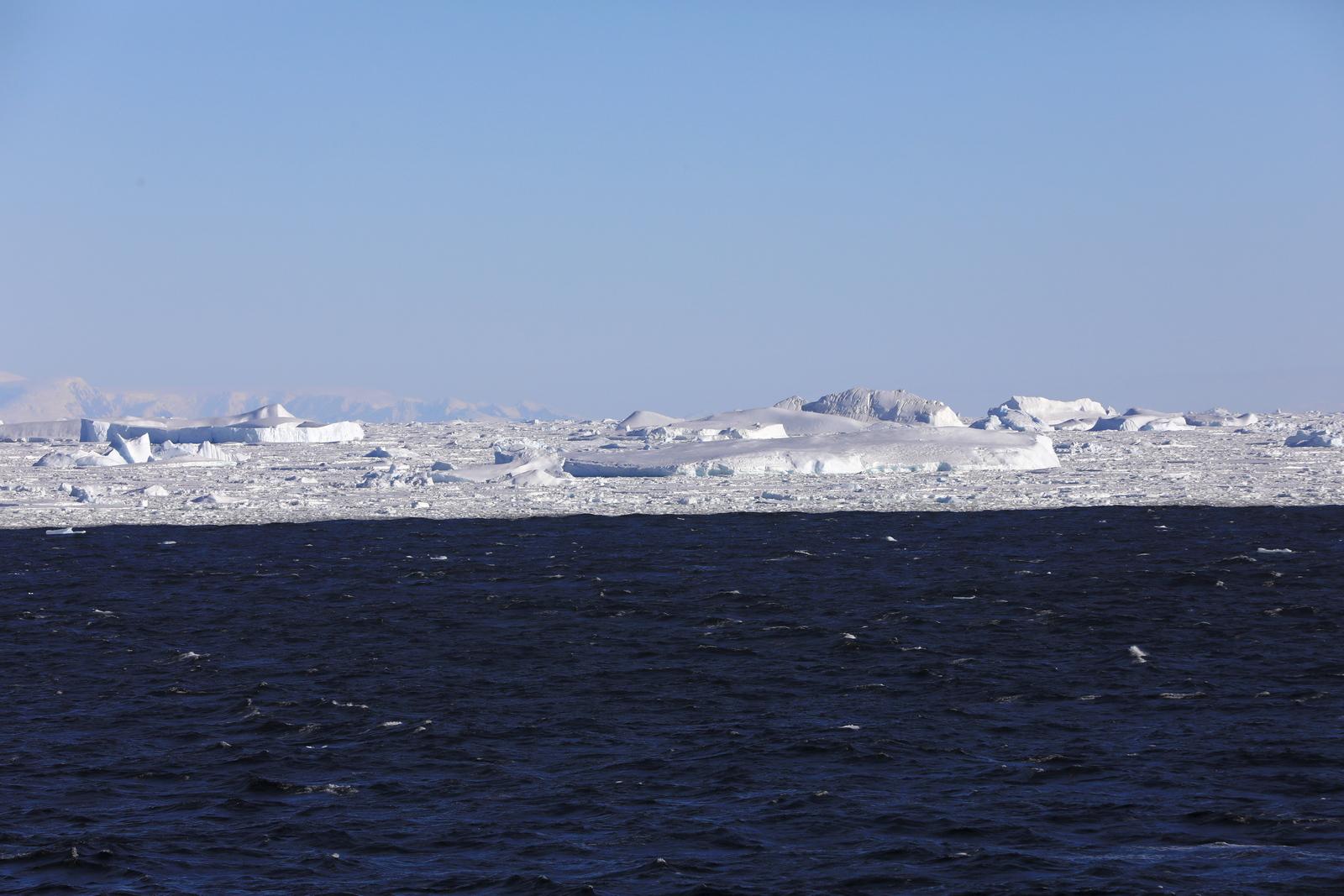 1702_Antarctique_02548_c_sm.jpg