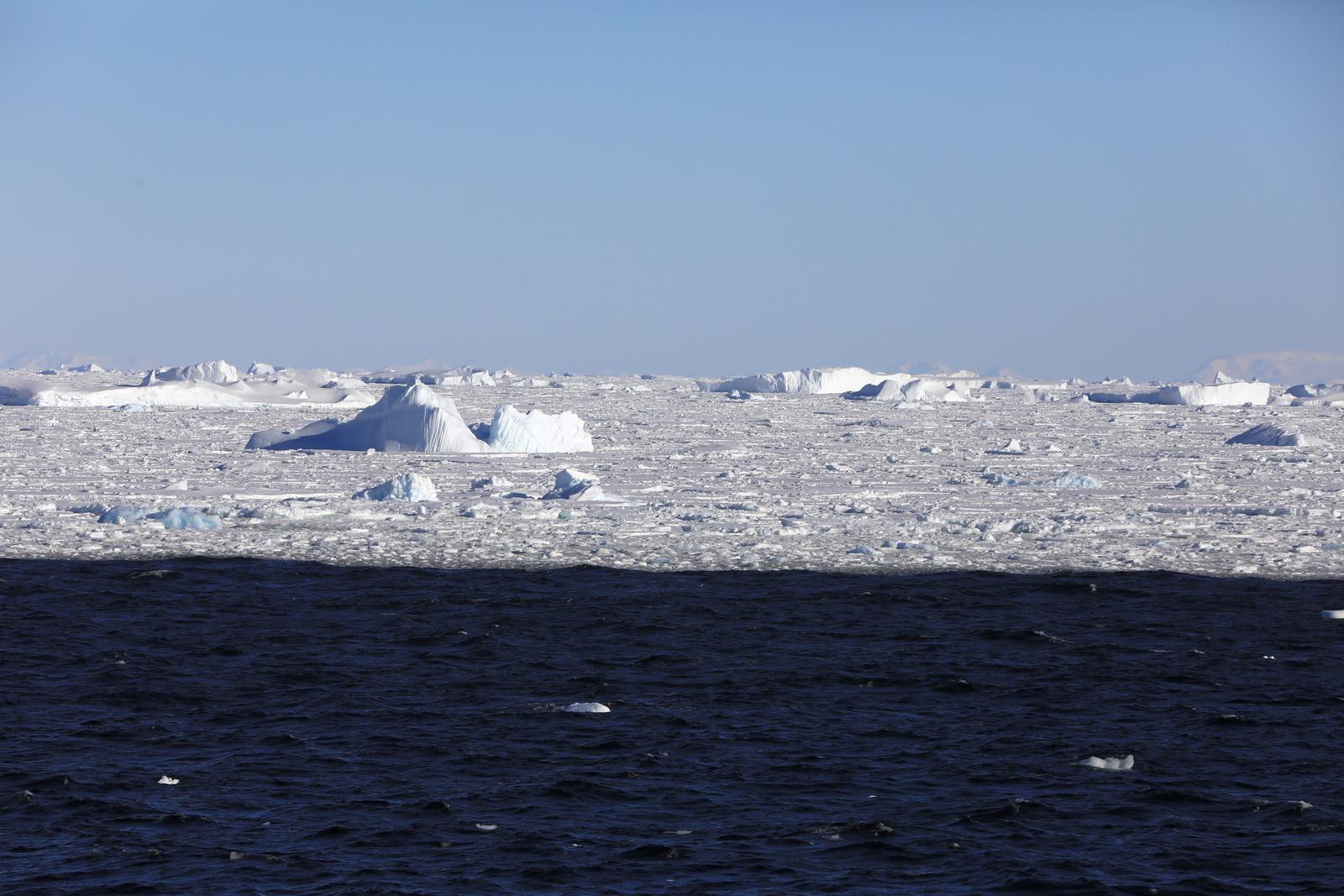 1702_Antarctique_02560_c_sm.jpg