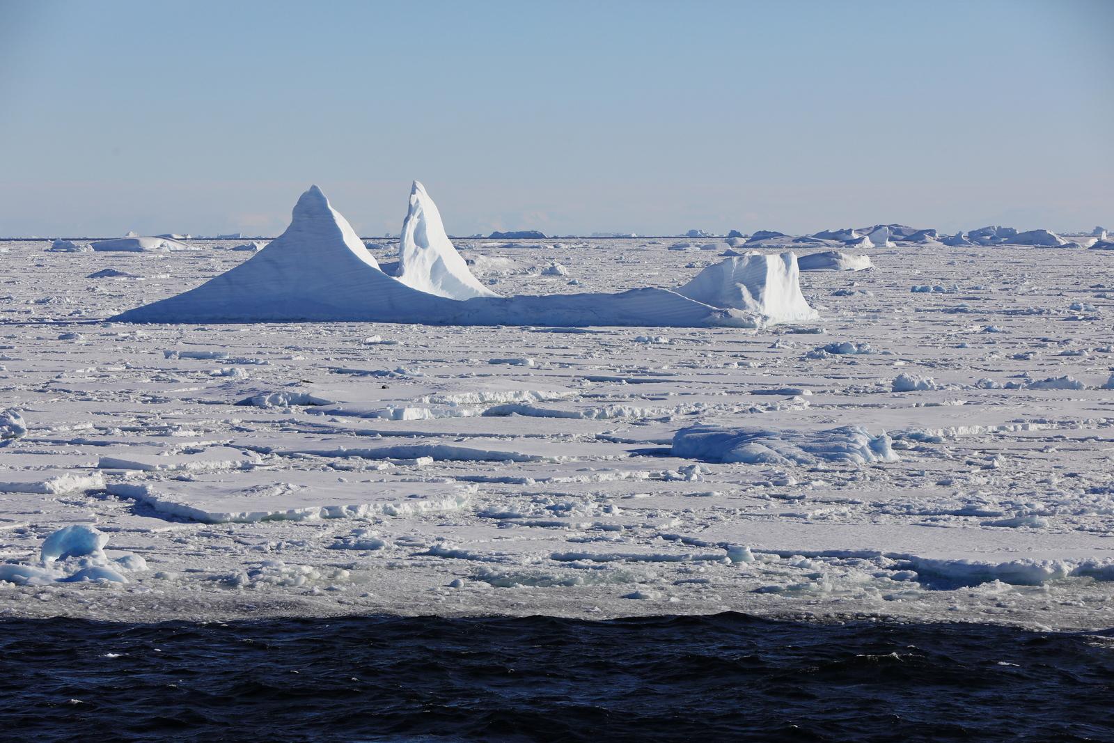 1702_Antarctique_02821_c_sm.jpg