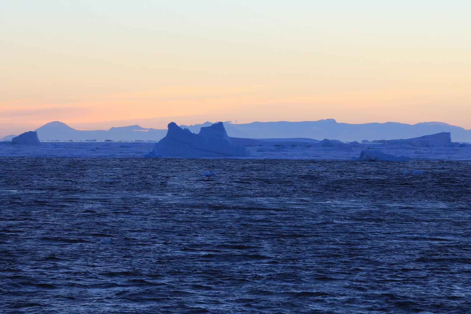 1702_Antarctique_03155_c_sm.jpg