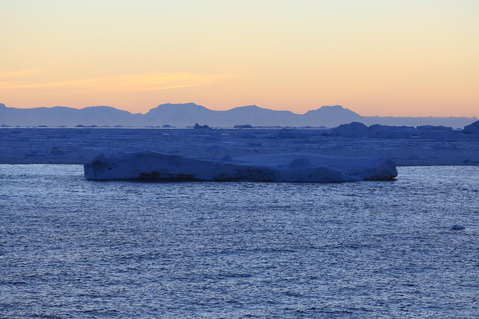 1702_Antarctique_03172_c_sm.jpg