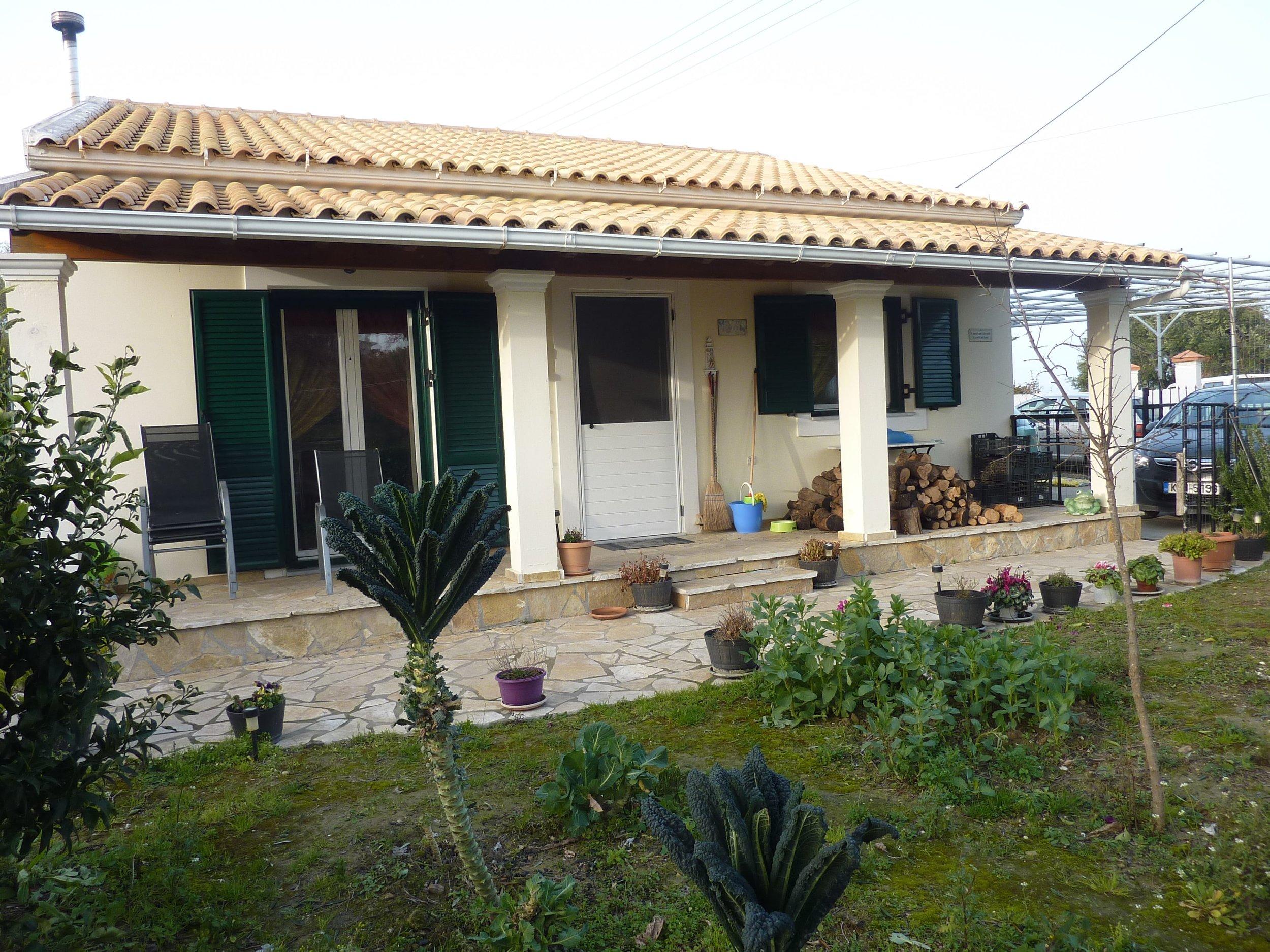 Afionas cottage (50).jpg