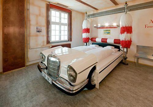 weird-bed-car