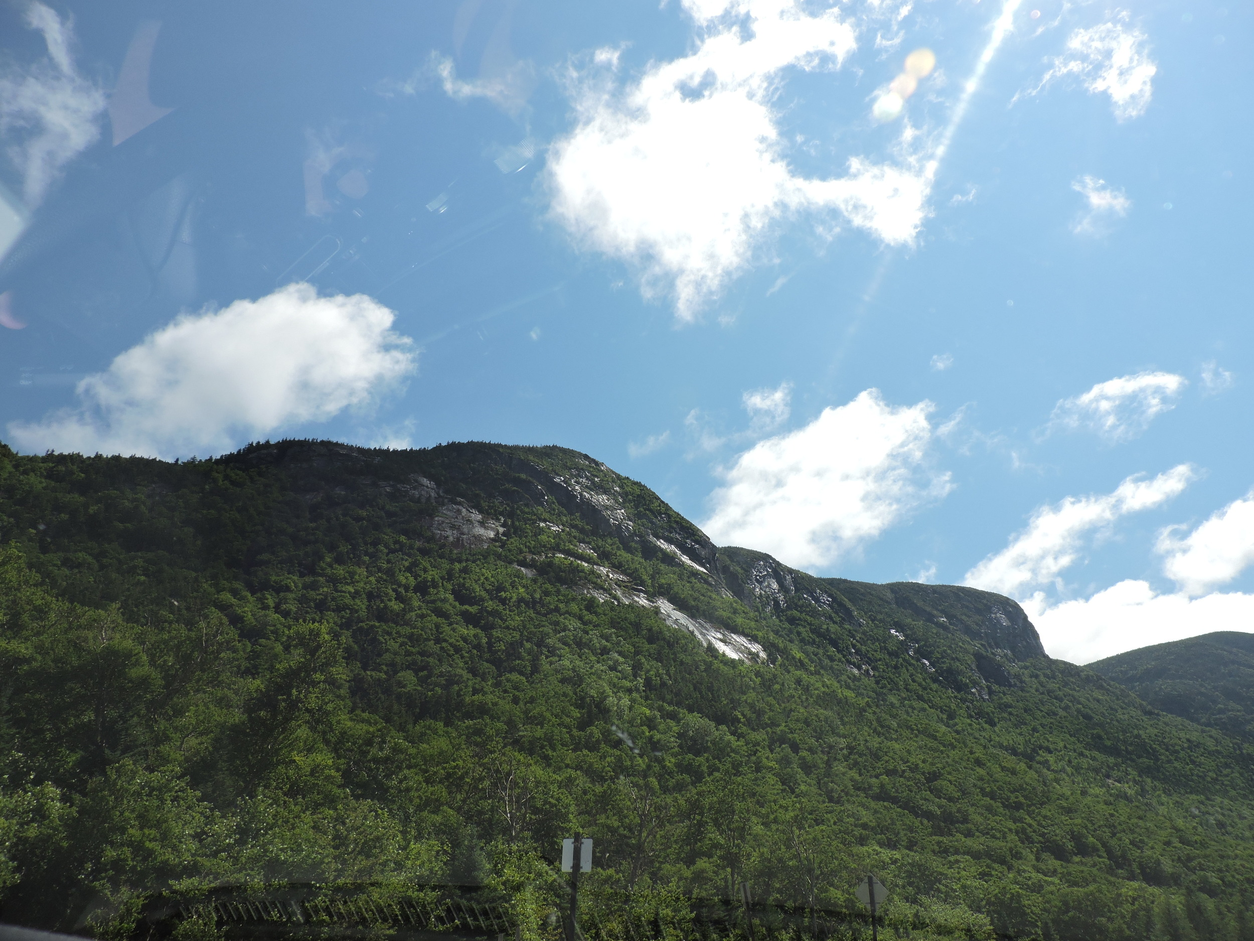Franconia Notch is an 8-mile stretch between the Kinsman Range and Franconia Range.