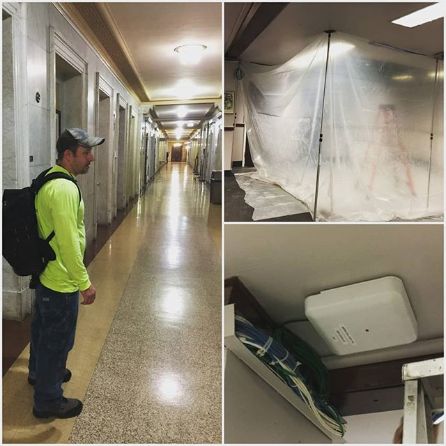 Wrapping up one of our projects over Maryland Judiciary projects before #christmas!  CAT6 cabling and anchoring of wireless access points in plaster, drywall, and concrete.  #lntechllc #smallbusiness #entrepreneurship