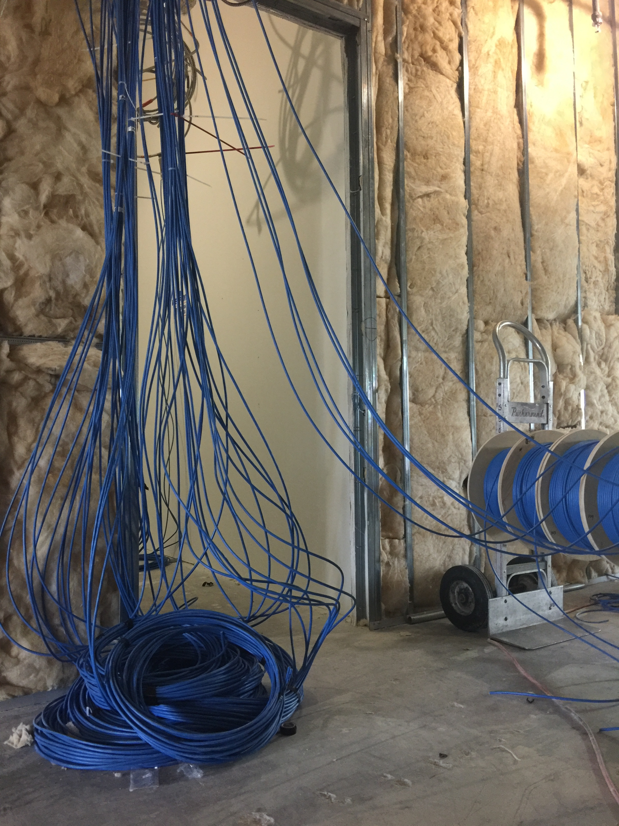 lntech-structured-cabling-installation.JPG