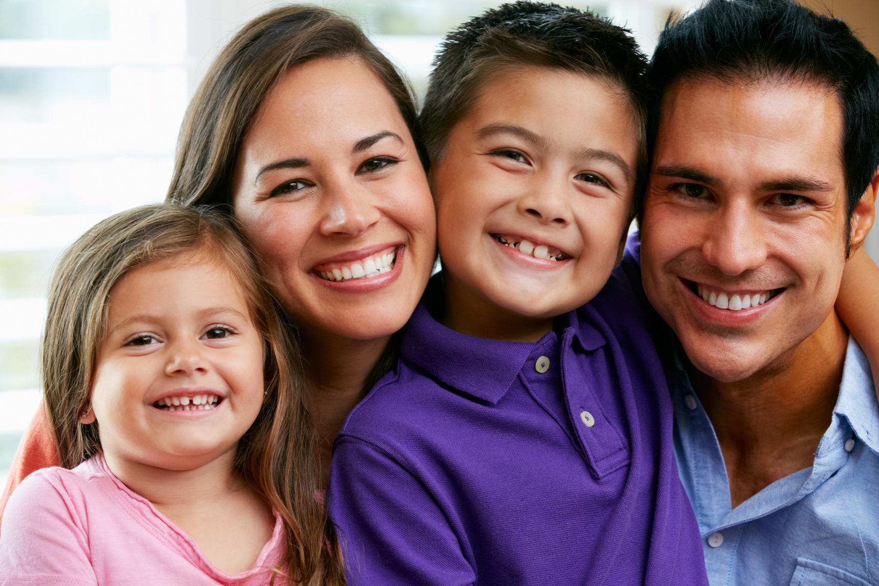 Young_Caucasian_Family_4.jpg