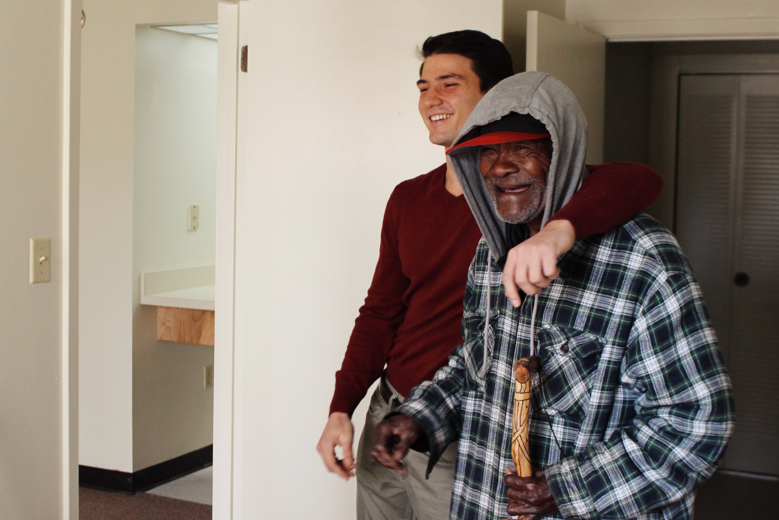 Jimmy moves into his new apartment.