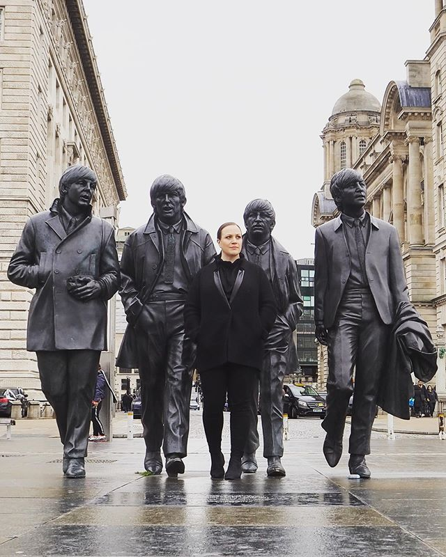 One of the photos from the booklet of my debut solo album, A Love Letter To Liverpool, taken by the outstanding young photographer @helenac8 #WalkingInTheFootstepsOfGiants #Beatles #FabFour @rubiconclassics @askonasholt @alisdairhogarth @liverpool_philharmonic . . . . . #JenniferJohnston #ScouseDiva #Liverbird #Liverpool #operasinger #diva #mezzo #mezzosoprano #mezzomagic #classicalsinger #voice #singing #opera #classicalmusic #livemusic #music #musicbiz #orchestra #composer #onstage #offstage #creativeprocess #operasingersofinstagram