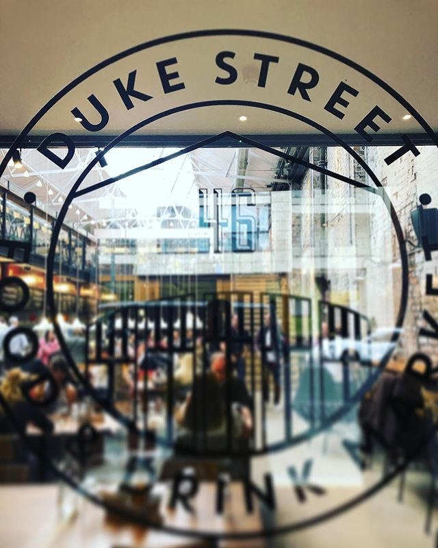 Fabulous lunch @dukestreetmarket, helping to enliven a rainy day at home. @boneandblock, your bone marrow mac & cheese is sensational! #DukeStreetMarket . . . . . #JenniferJohnston #ScouseDiva #Liverbird #Liverpool #operasinger #diva #mezzo #mezzosoprano #mezzomagic #classicalsinger #voice #singing #opera #classicalmusic #livemusic #music #musicbiz #orchestra #composer #onstage #offstage #creativeprocess #operasingersofinstagram