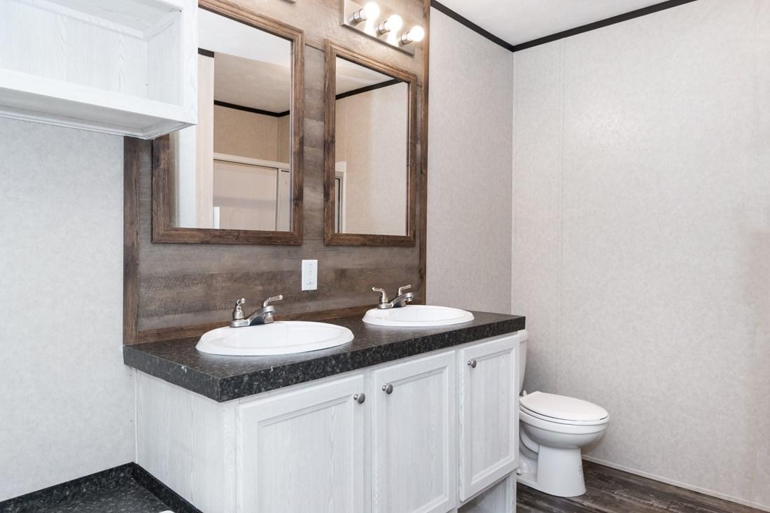Manufactured-REVOLUTION-35REV18763AH-Master-Bathroom-20180430-1033184104854.jpg