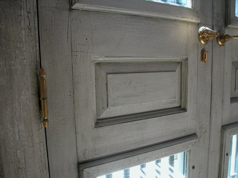 Highly Distressed Paint Finish