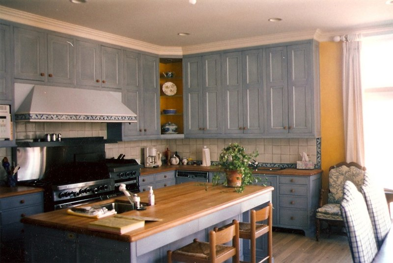Glazed Cabinetry & Walls