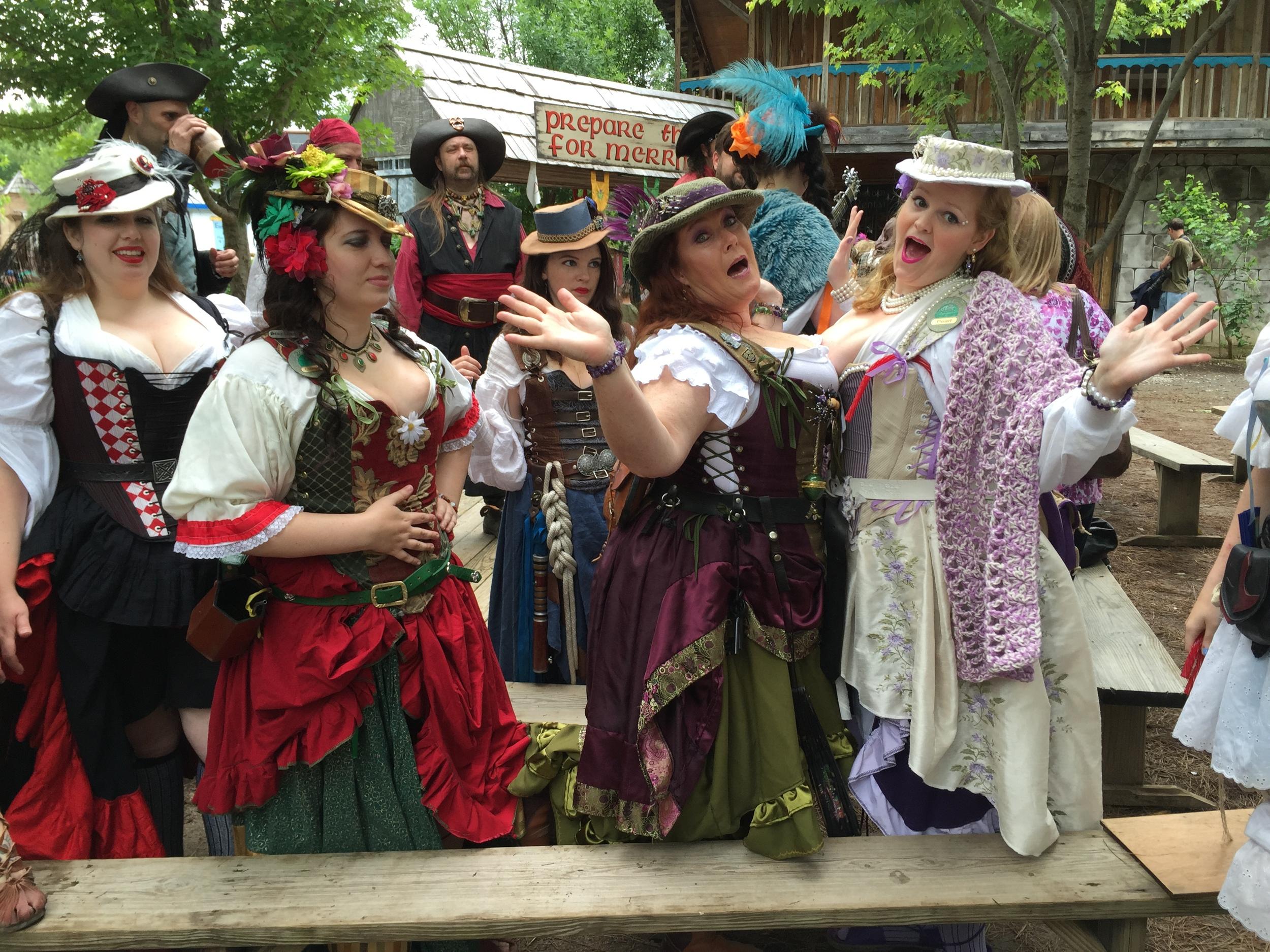 (Ladies of Castleton -- PHOTO COPYRIGHT 2015 BY JAZ PRIMO)