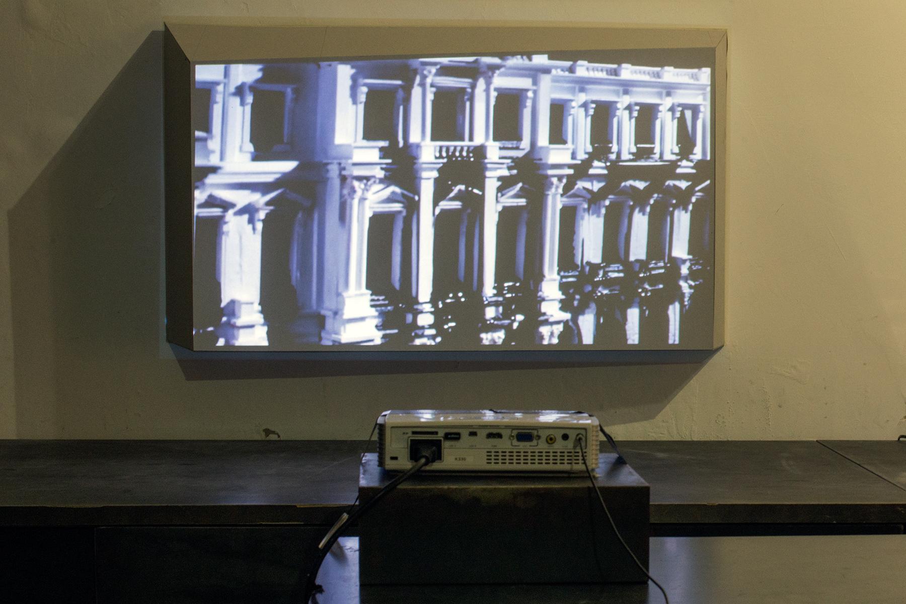 Camille Pajot - installation d' Offshore Heritage  - carton, projecteur, Vidéo HD - 4'18''