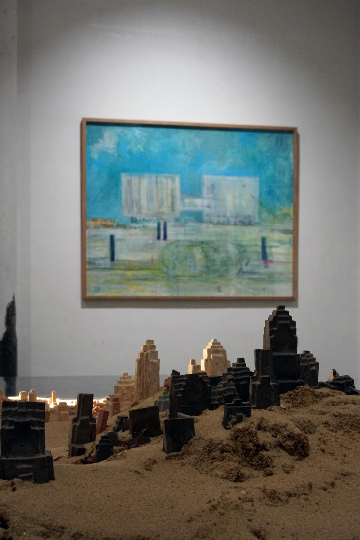Clément Richem -  Poussières  , céramique, argile crue, sable - 2016 - 90x140cm ///// Eléonore de Margerie -  Concordia  - Techniques mixtes sur papier - 120 x 98 cm - 2009 - Cadre chêne brut
