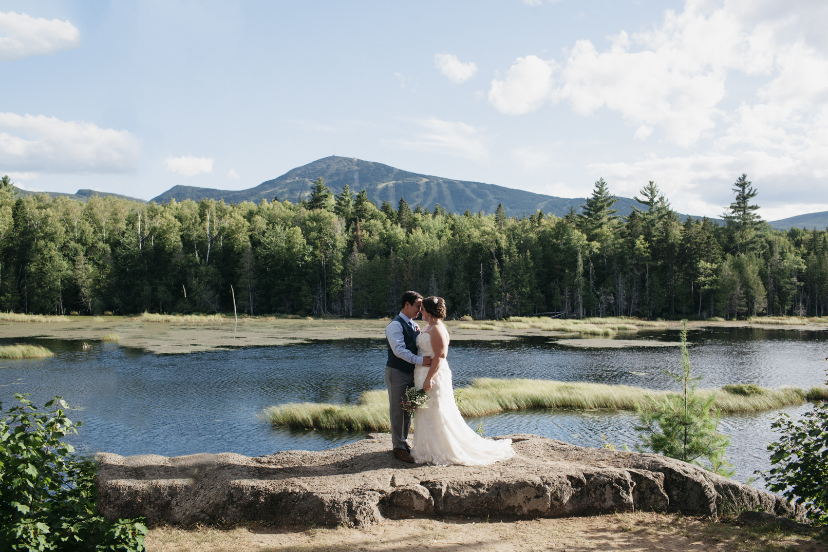 LFA_JuliaGlenn_Sugarloaf_Maine_Wedding015.jpg