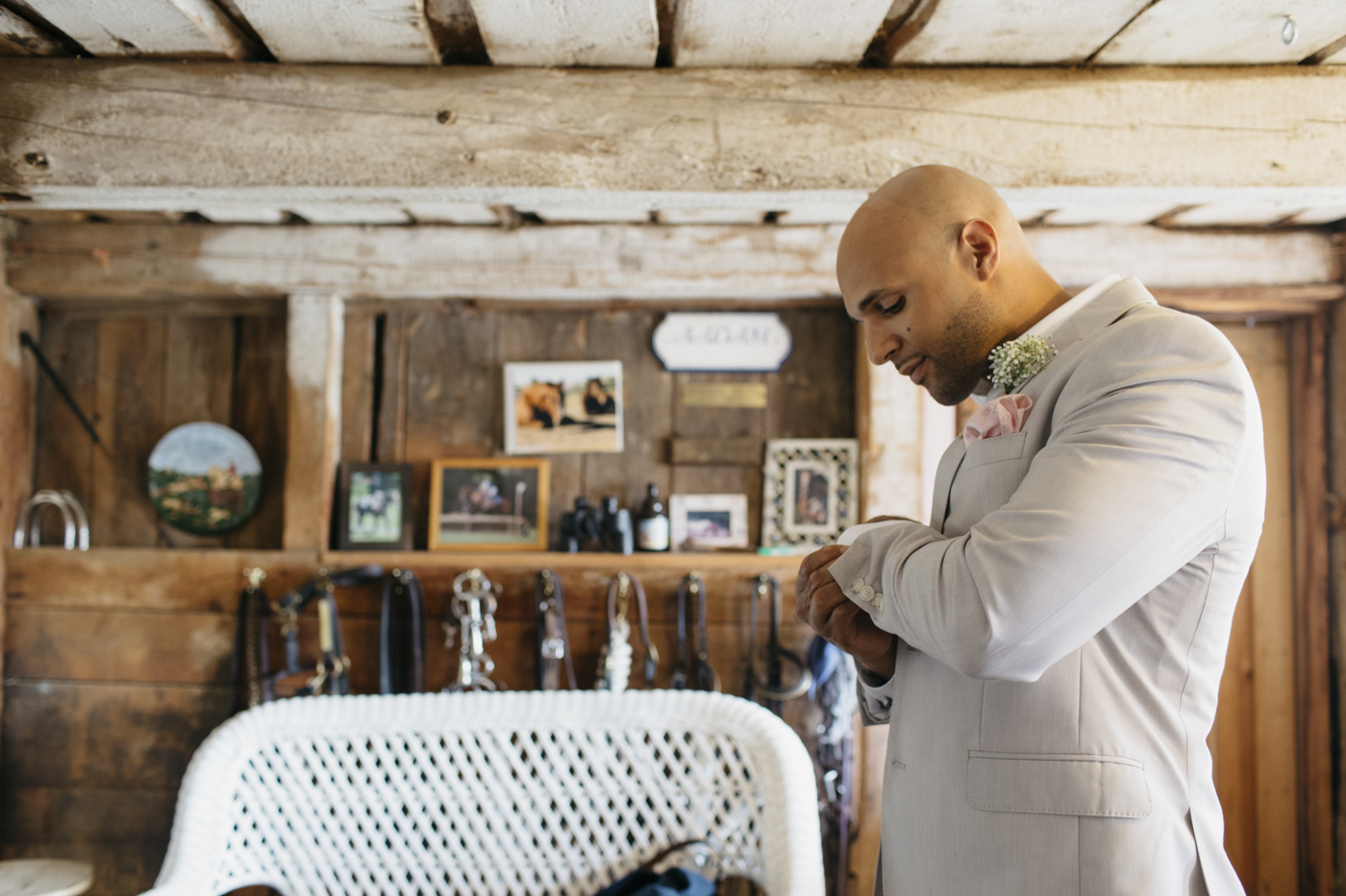 Toni_Earl_Rest_and_Be_Thankful_farm_wedding_maine_005.jpg
