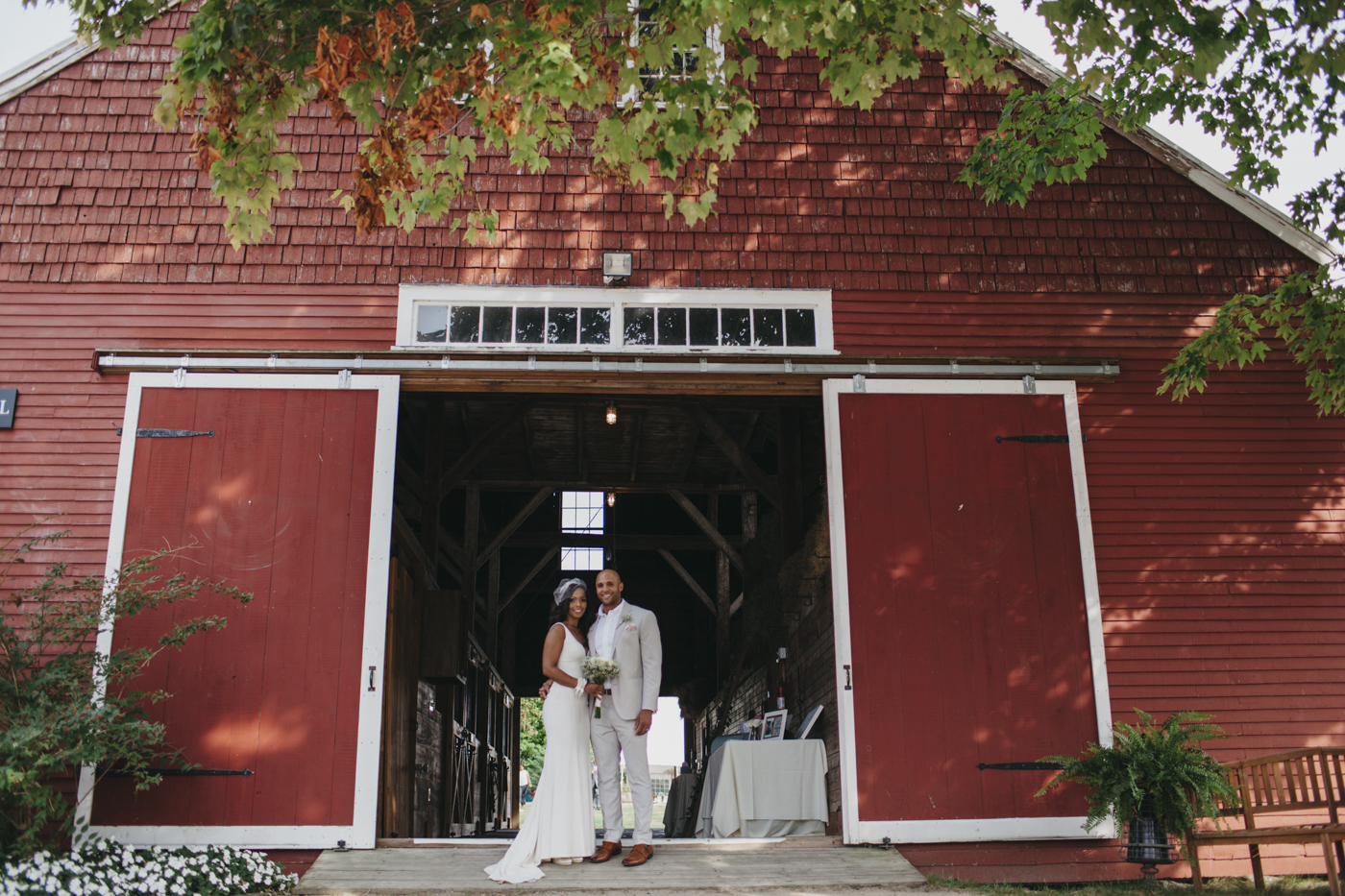 Toni_Earl_Rest_and_Be_Thankful_farm_wedding_maine_015.jpg
