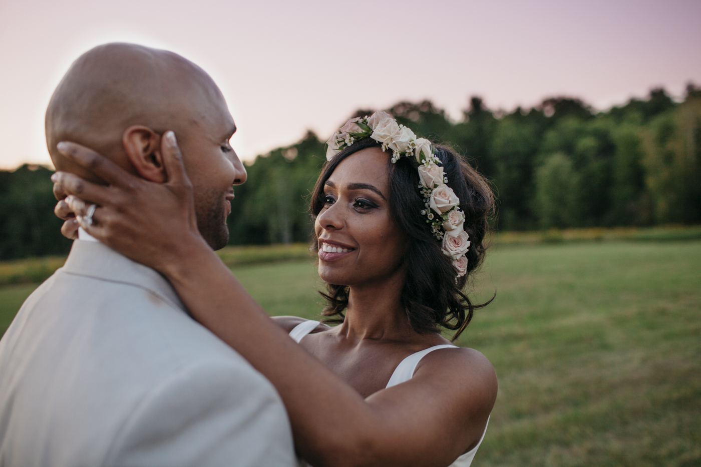 Toni_Earl_Rest_and_Be_Thankful_farm_wedding_maine_025.jpg