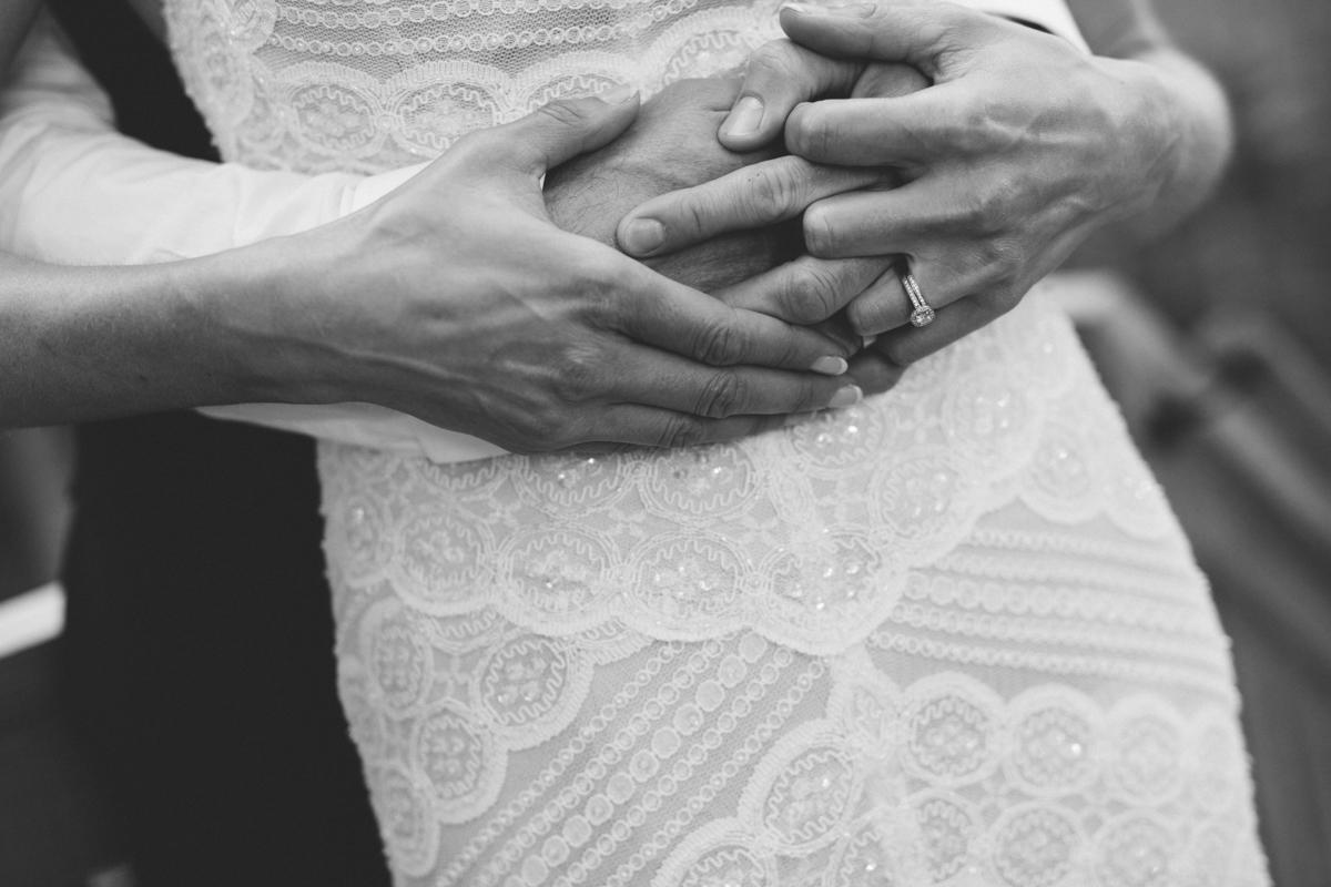 Anna_Kris_wedding_Kettle_Cove_and_Sprague_Hall_Cape_Elizabeth_Maine_025.jpg