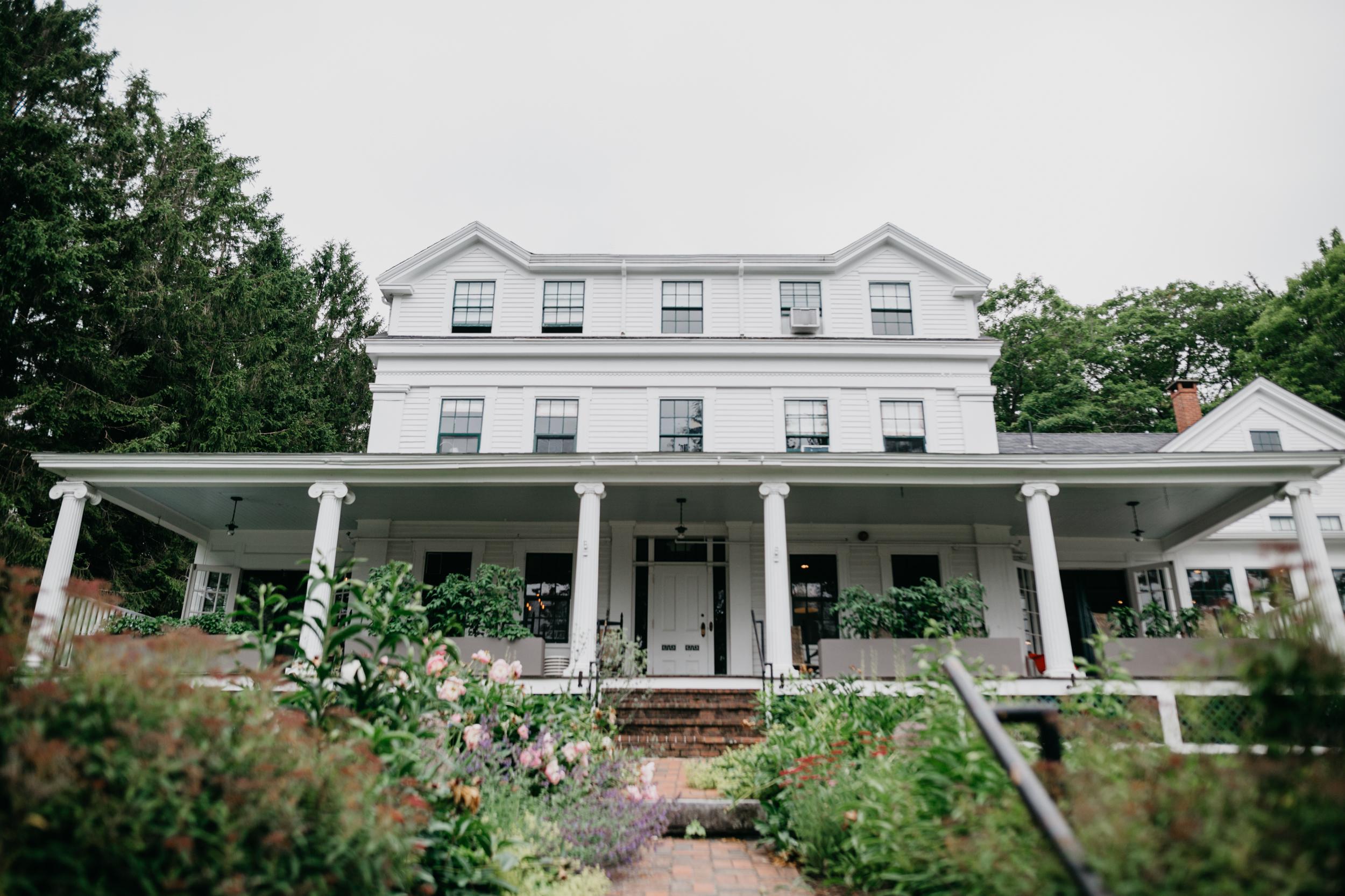 AshleeJay_Camden_Maine_wedding_pig_and_the_poet_Vesper_Hill_Childrens_Chapel_023.jpg