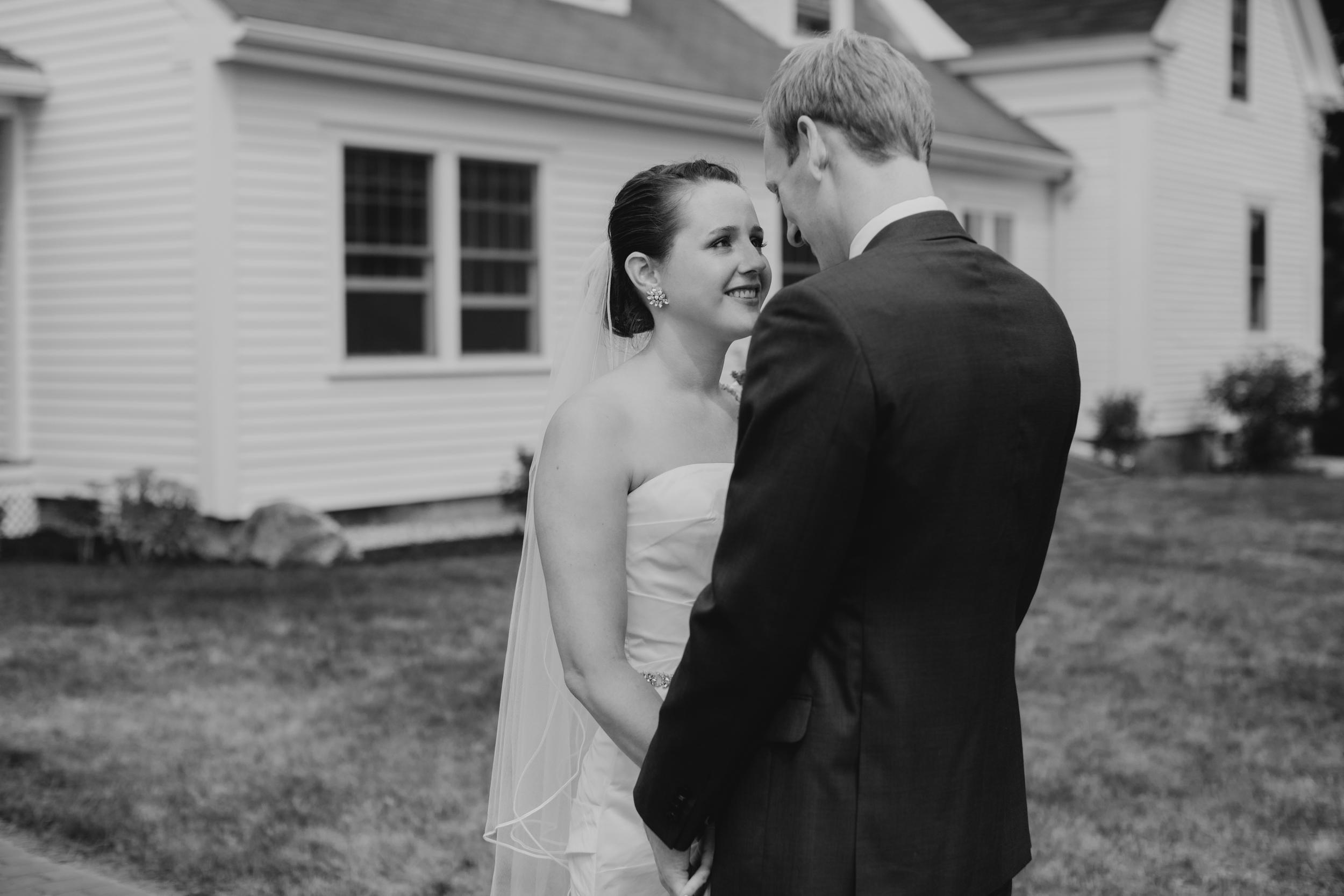 Jessie_Erik_Pownal_Maine_Wedding_William_allen_farm_009.jpg