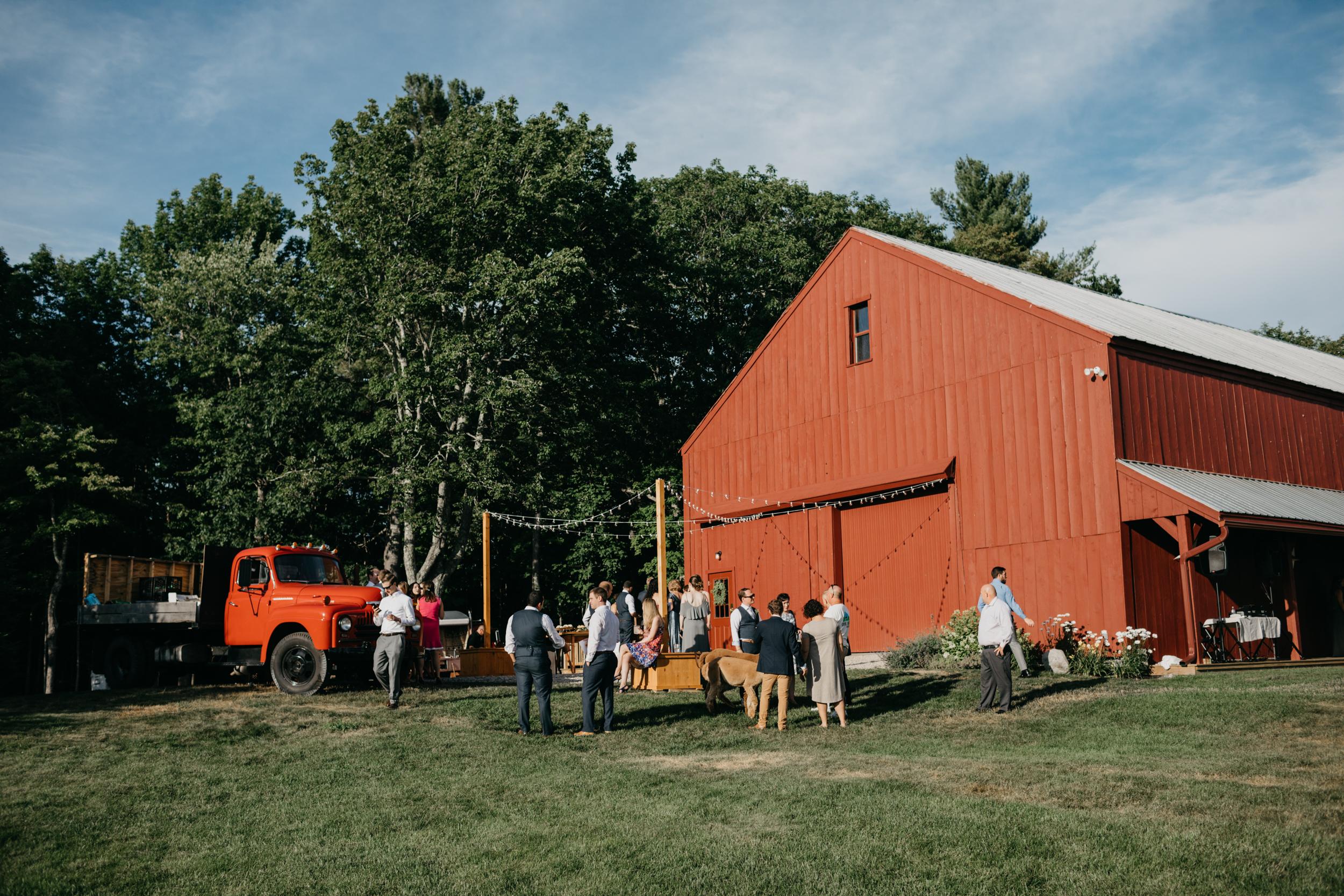 Jessie_Erik_Pownal_Maine_Wedding_William_allen_farm_031.jpg