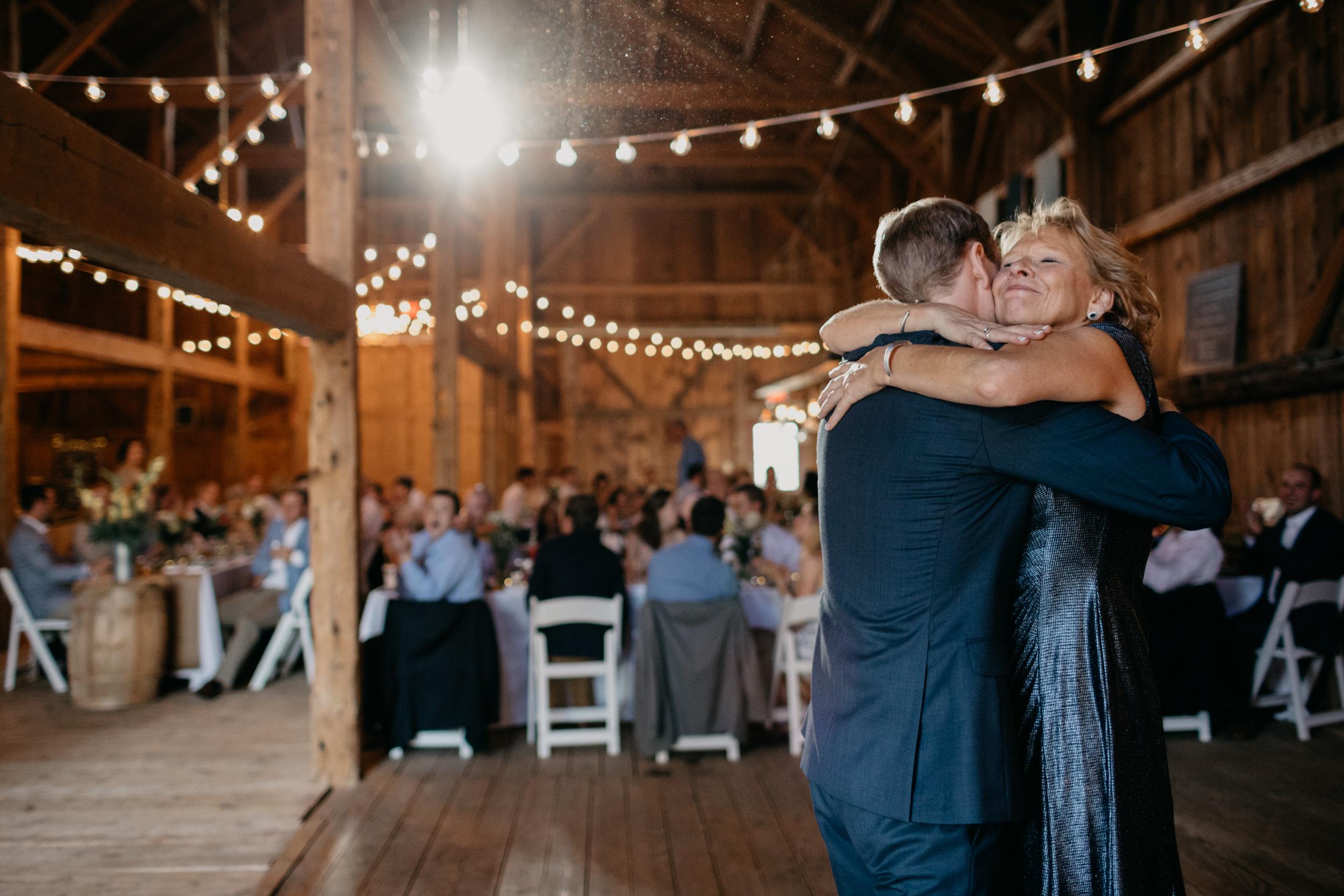 Jessie_Erik_Pownal_Maine_Wedding_William_allen_farm_042.jpg