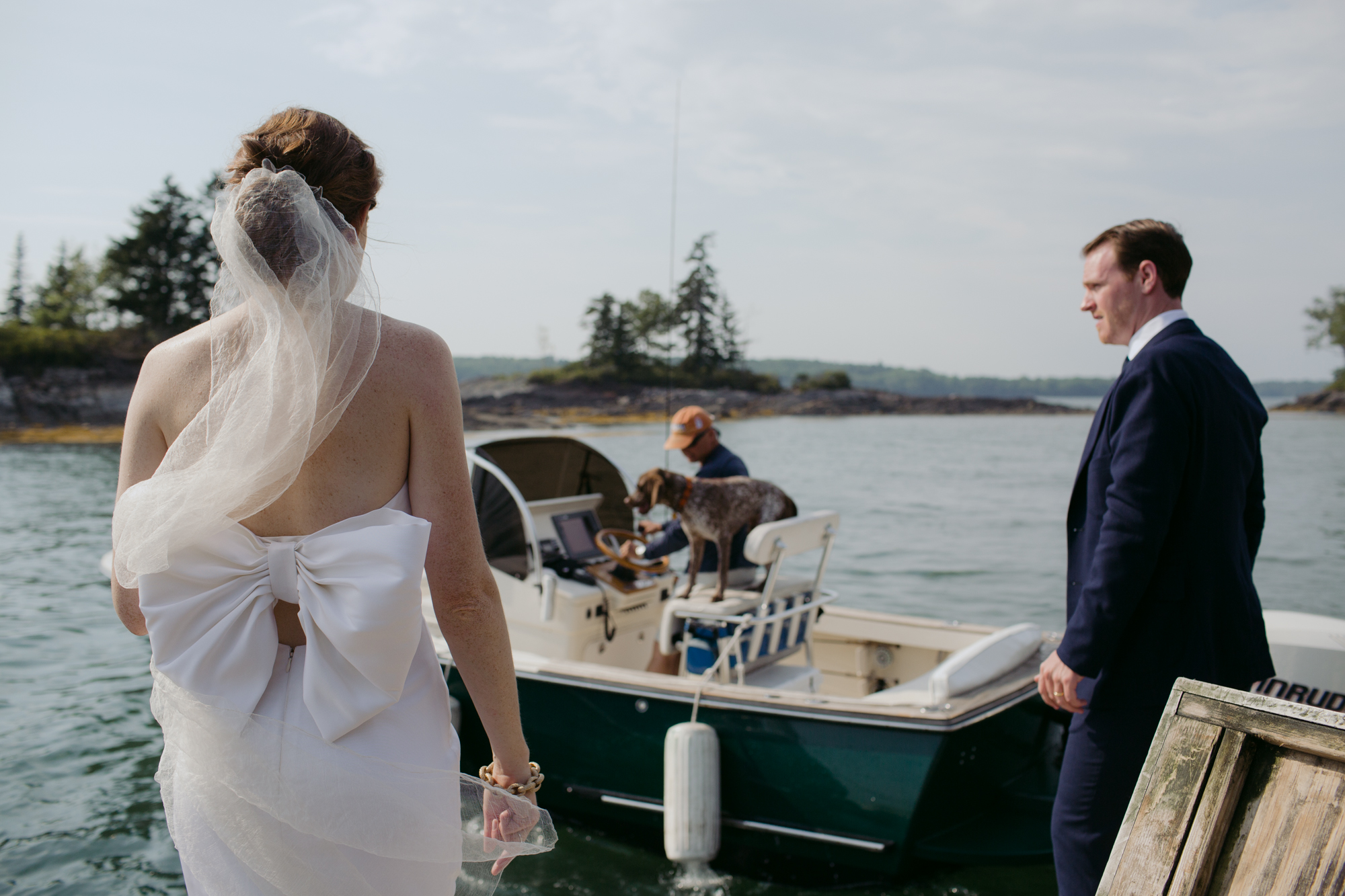 harpswell_maine_wedding_on_a_private_oceanfront_barn_leah_fisher_012.jpg