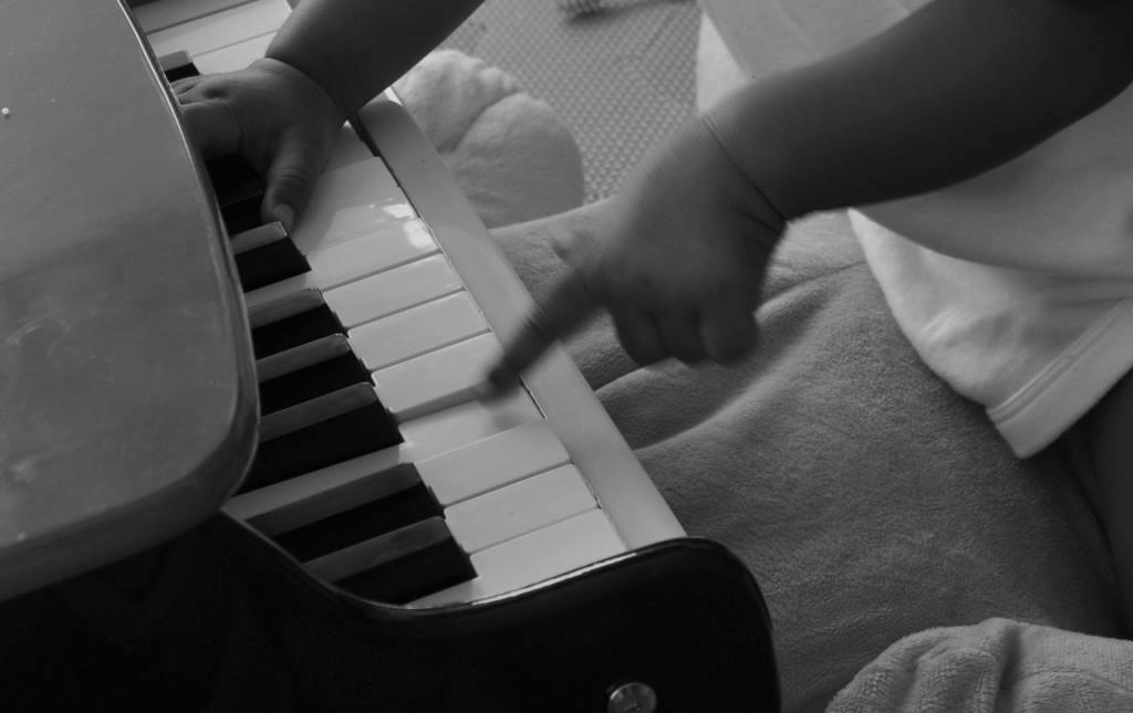 mumsinthewood child piano