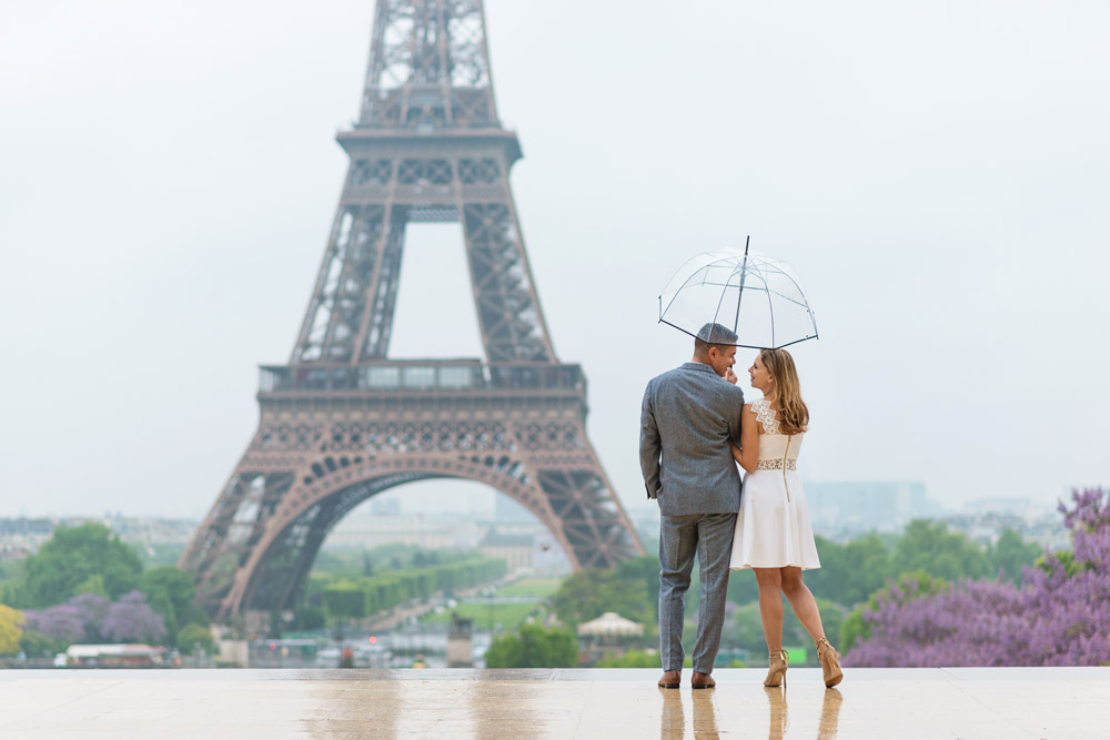Paris-photographer-Paris-for-Two-Christian-Perona-professional-engagement-proposal-pre-wedding-portrait-Eiffel-tower-sunrise-Trocadero-rain-rainy-day-umbrella.jpg