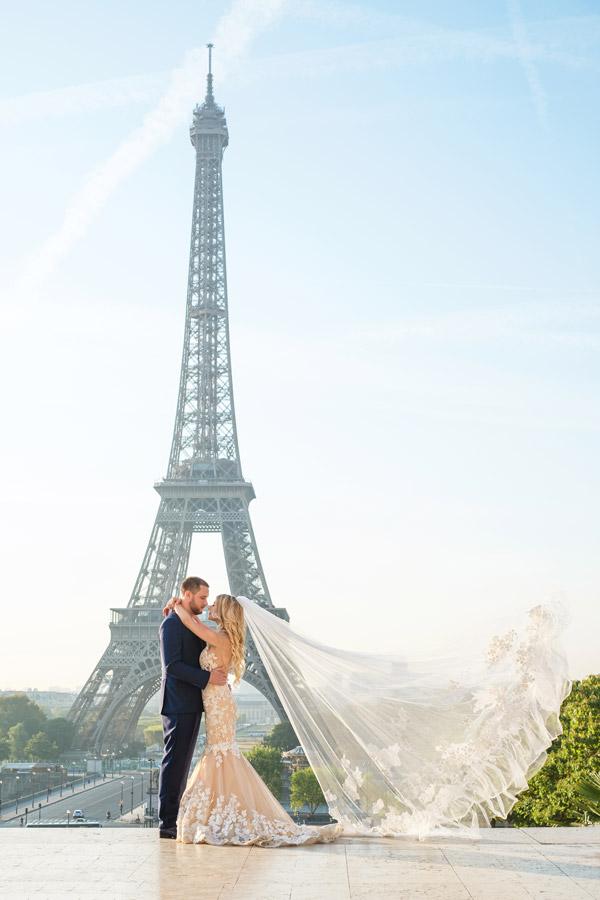 Proposal-photographer-in-Paris-Christian-Perona-sunrise-Trocadero-Eiffel-tower-she-said-yes-wedding-couple-dress-gown-groom.jpg