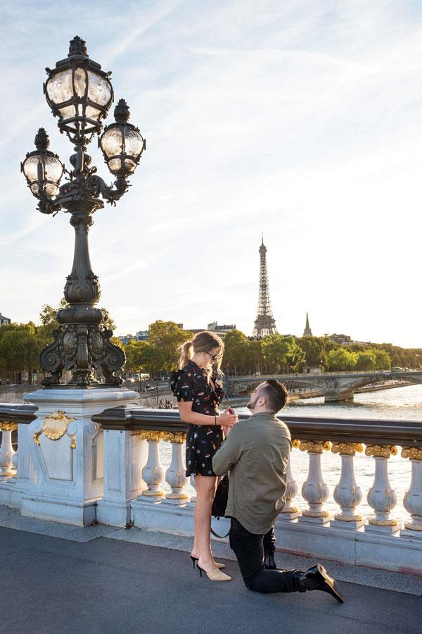 paris-photographer-christian-perona-professional-engagement-proposal-pre-wedding-portrait-Alexander-III-bridge-Alexandre-pont-golden-statue-Eiffel-tower-wedding-ring-he-asked.jpg