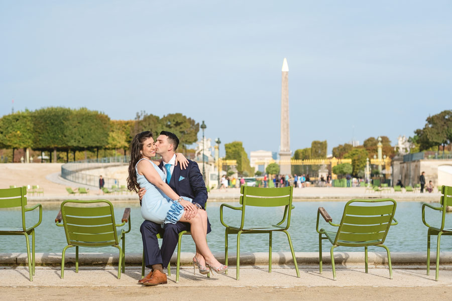 Paris-for-Two-Christian-Perona-engamement-photoshoot-Tuileries-garden-jardin-seating-fountain-2.jpg