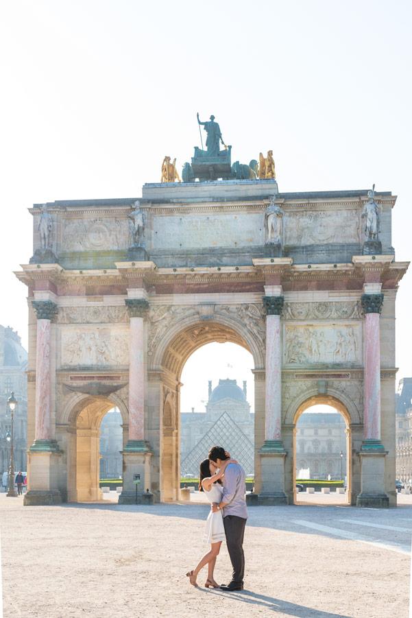 paris-photographer-christian-perona-professional-engagement-proposal-pre-wedding-portrait-tuileries-garden-caroussel-louvre.jpg