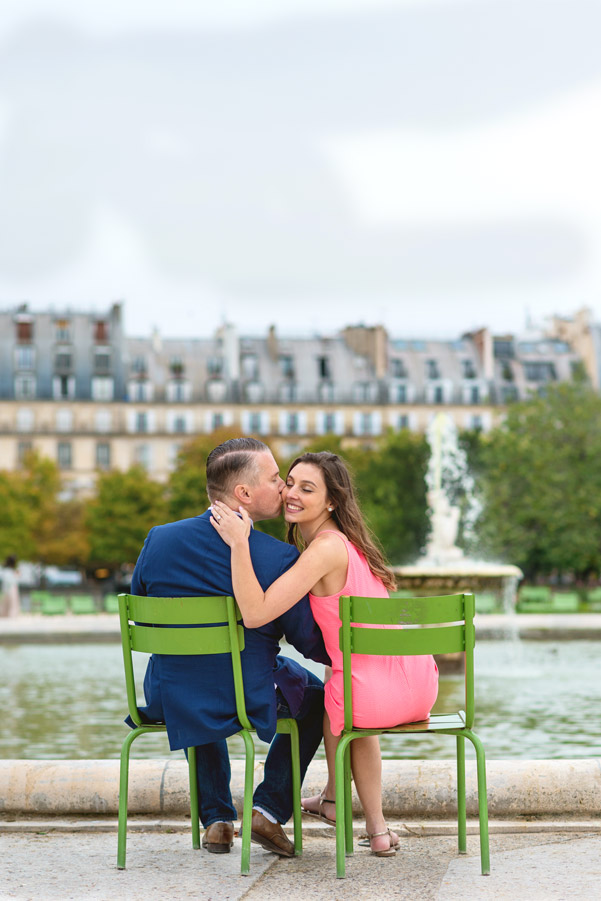 paris-photographer-christian-perona-professional-engagement-proposal-pre-wedding-portrait-tuileries-garden-wedding-ring.jpg