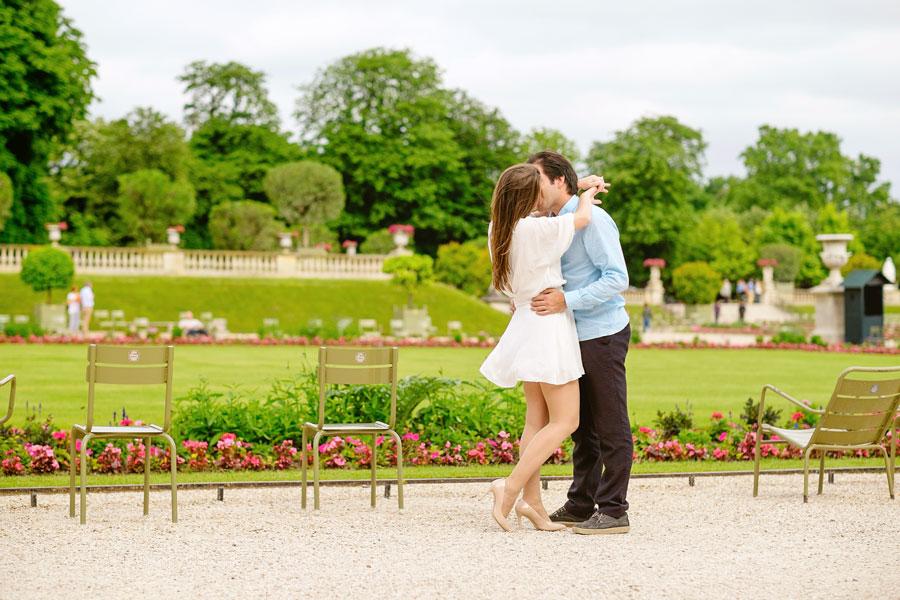 Paris-photographer-Paris-for-Two-Christian-Perona-engagement-love-pre-wedding-proposal-honeymoon-Luxembourg-garden-flowers-spring-3.jpg