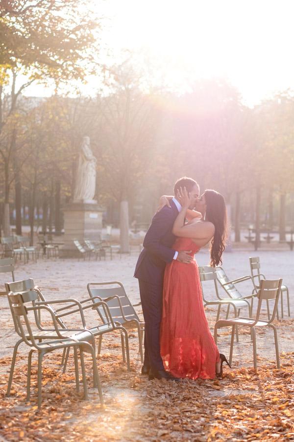 Paris-photographer-Paris-for-Two-Christian-Perona-engagement-love-pre-wedding-proposal-honeymoon-Luxembourg-garden-flowers-spring-27.jpg