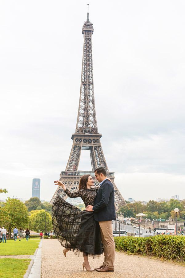 Photographer-Paris-Honeymoon-Trocadero-Eiffle-tower-sunrise-wedding-anniversary-flying-dress.jpg