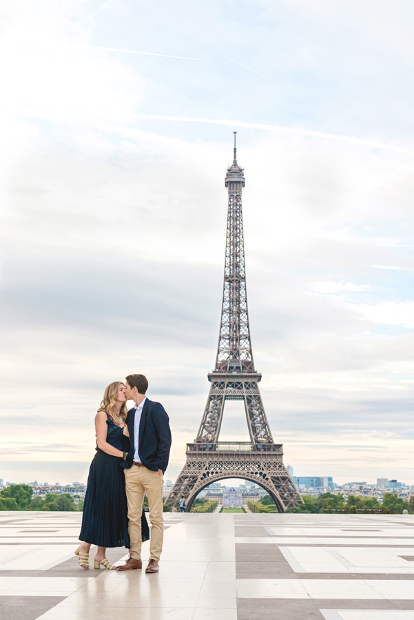 Photographer-Paris-Christian-Perona-proposal-engagement-Trocadero-sunrise-golden-hour-Eiffel-tower-she-said-yes-he-proposed-walking-kissing.jpg