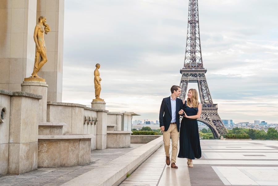 Paris-photographer-Paris-for-Two-Christian-Perona-professional-engagement-proposal-Trocadero-Eiffel-tower-golden-statues.jpg