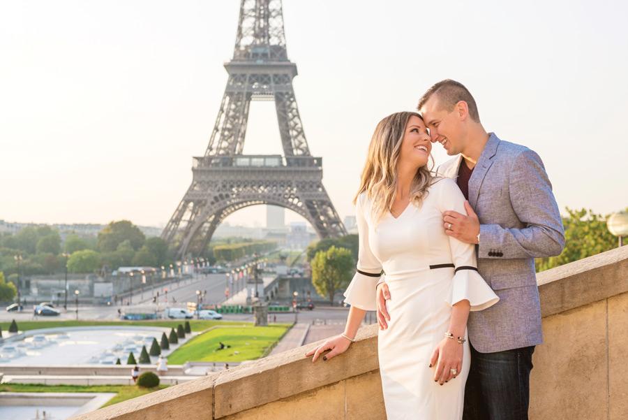 Paris-photographer-Paris-for-Two-Christian-Perona-professional-engagement-proposal-pre-wedding-portrait-Eiffel-tower-golden-hour-sunrise-Trocadero.jpg