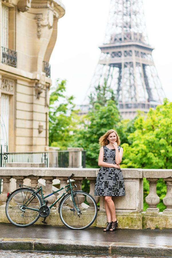 Photographer-Paris-Christian-Perona-solo-photoshoot-quinceanera-15th-birthday-Eiffel-tower-sunrise-avenue-Camoens-cobblestone-street.jpg