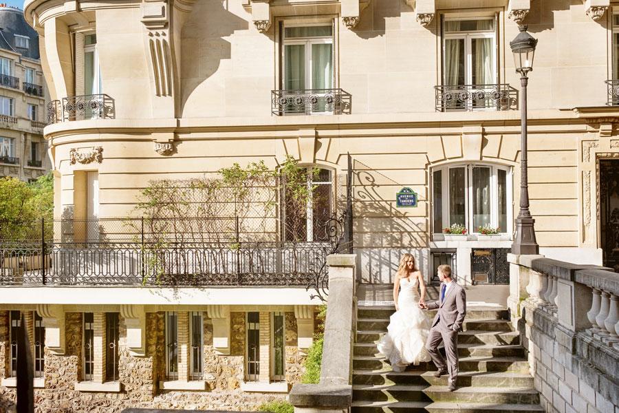 Photographer-Paris-Christian-Perona-Honeymoon-proposal-engagement-Eiffel-tower-sunrise-avenue-Camoens-cobblestones-street-7.jpg