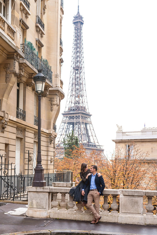 Photographer-Paris-Christian-Perona-Honeymoon-proposal-engagement-Trocadero-Eiffel-tower-sunrise-avenue-Camoens-cobblestones-street-4.jpg