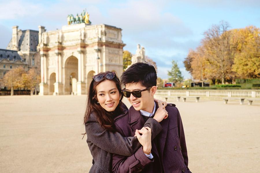 Paris-for-Two-Christian-Perona-Louvre-Museum-Musee-Paris-photographer-proposal-engagement-pre-wedding-honeymoon-love-romantic-caroussel-du-louvre-portrait.jpg