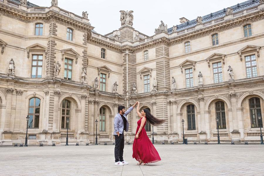 Paris-for-Two-Christian-Perona-Louvre-Museum-Musee-Paris-photographer-proposal-engagement-pre-wedding-honeymoon-love-romantic-dancing.jpg